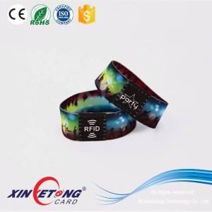 13,56 МГц ISO14443A NTAG213 NFC стрейч напульсники RFID упругой браслеты
